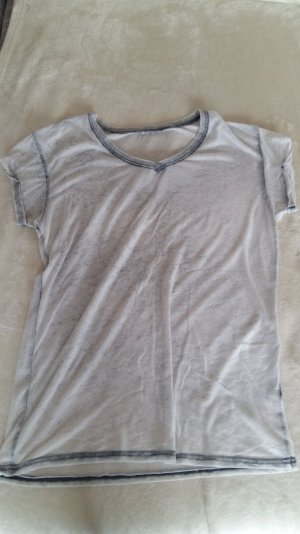 graues T-shirt zu verkaufen