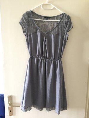 Graues tailliertes Kleid von Tailly Weijl