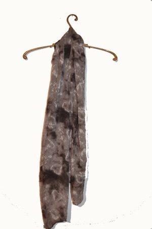Graues Tuch im Ethno Batik Style