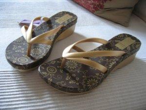 GRENDHA Flip Flops gold, edel, Sandale, NEU, Gr. 38 im Karton