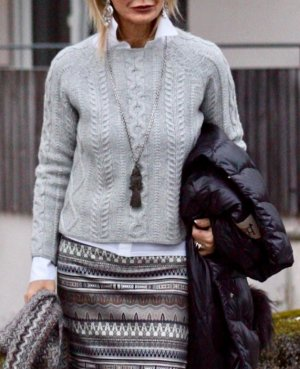 Allude Coarse Knitted Sweater silver-colored wool