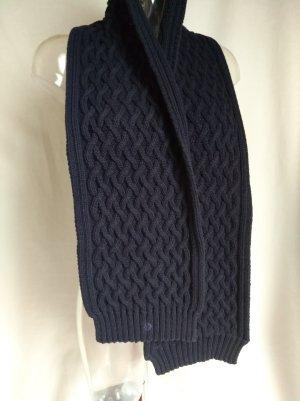 Grobstrick Schal mit schönem Muster