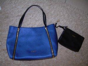 große blaue Handtasche von Guess Shopper