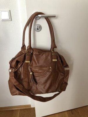 Große braune Handtasche