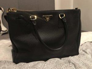 Große prada Tasche schwarz