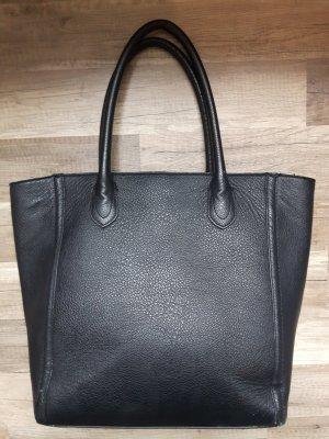 Große schwarze Tasche in Lederoptik