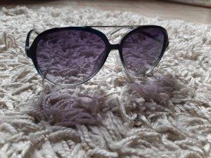 große Sonnenbrille