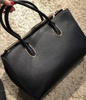 Große Tasche schwarz