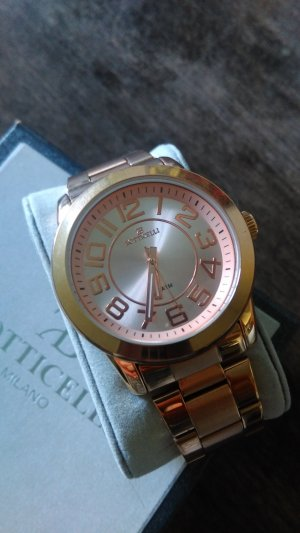 Watch With Metal Strap rose-gold-coloured metal