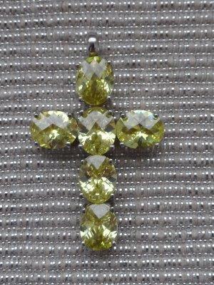 großer Kreuz Anhänger hellrgüne facettierte Zirkonia 925 Silber wenig getragen