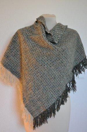 Großer kuscheliger Schal mit Fransen, boho, grunge, fringe, cape