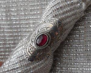 großer massiver Ring aus 925 Silber mit einem Granat Stein Gr: 54