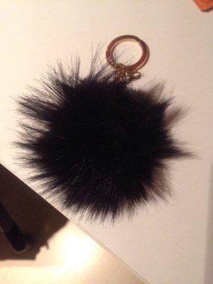 Großer Pompon aus schwarzem Kunstpelz, Michael Kors