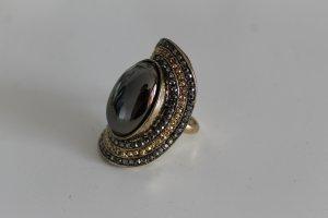 Großer Ring im Vintage-Look