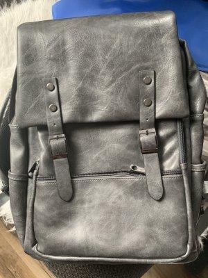 Großer Rucksack grau