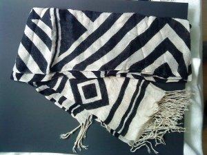 großer Schal schwarz/wollweiß mit Fransen