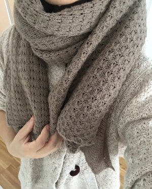 Knitted Scarf light brown