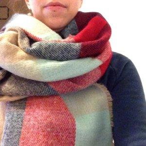 Großer Schal von Zara