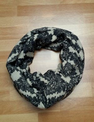 großer warmer Schal in schwarz beige