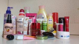 großes Kosmetik Packet