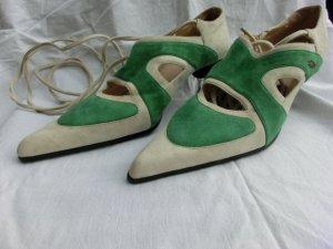 Chaussure à talons carrés vert-beige clair daim