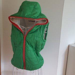 Grün-pinke Kapuzenweste