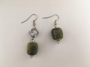 Grün-silberne Ohrringe