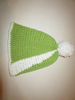 grün-weiße Mütze wie abgebildet