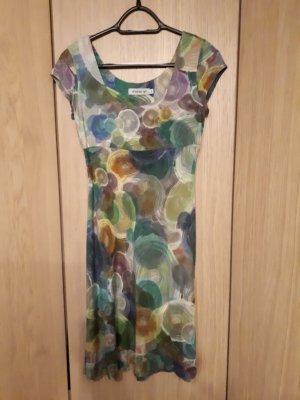 Grünblaues Sommerkleid