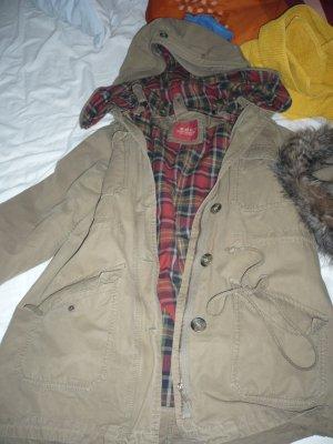 grünbrauner toller Mantel mit Kapuze von Esprit/EDC