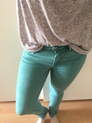 Grüne, eng geschnittene Jeans