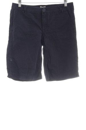 Grüne Erde Shorts dunkelblau Segel-Look