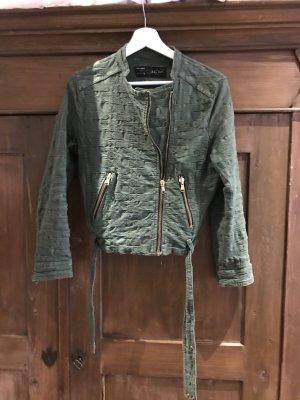 Grüne gemusterte kurze Jacke von Zara Bikerschnitt