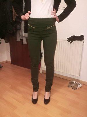 grüne High-Waist-Jeans mit goldenen Reißverschlüssen von Vero Moda
