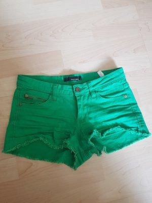 Grüne Hotpants