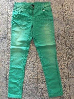 Grüne Jeanshose