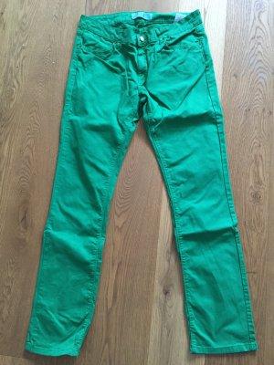 Grüne Jeanshose von Zara
