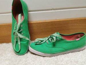 Grüne Keds