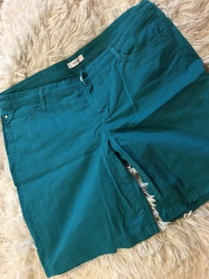 Grüne kurze Sommer Hose