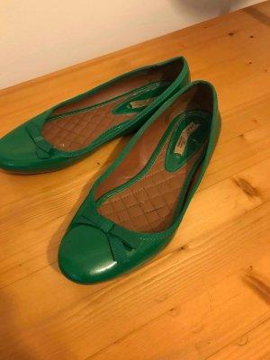 Grüne Lack-Ballerinas von Zara Gr. 39