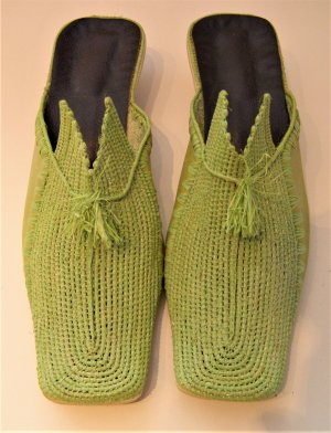 Slip-on Shoes olive green leather