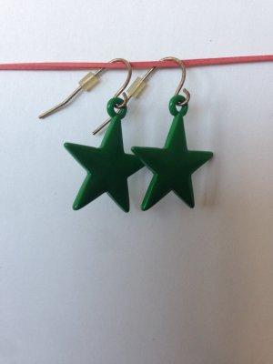 Grüne Ohrringe mit Sternanhänger
