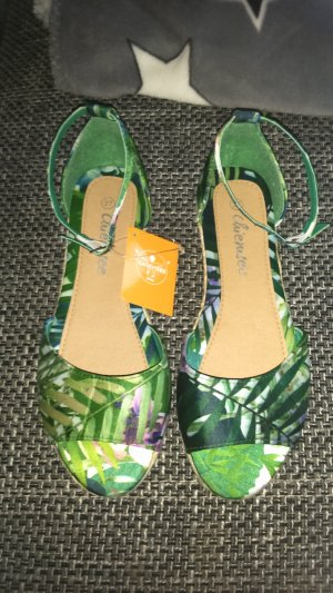 Chiemsee Strapped Sandals meadow green