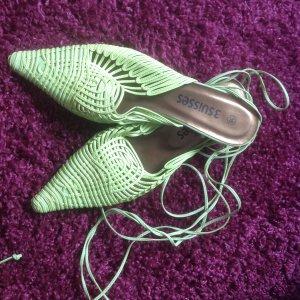Grüne Riemchen-Sandaletten Größe 38
