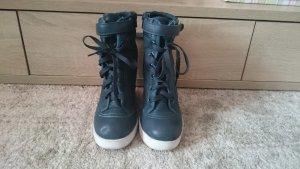 Grüne Schuhe mit Keilabsatz 38