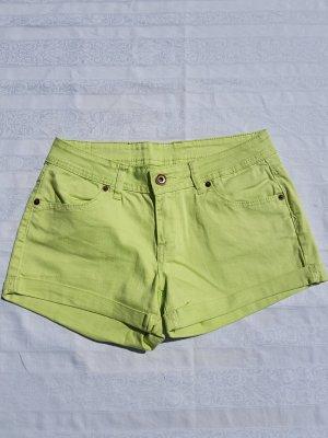 Grüne Shorts von Amisu