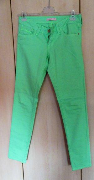 grüne Sommerhose