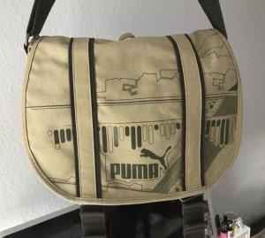 grüne Sport-/Umhängetasche Puma