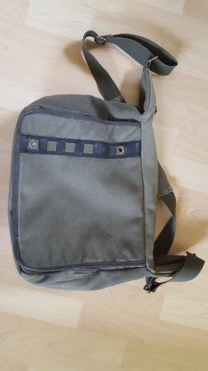 grüne Umhängetasche/ Laptoptasche