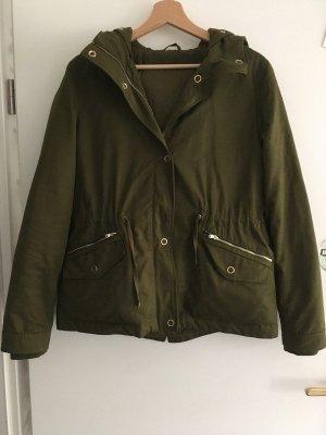 Grüne Winterjacke von Zara
